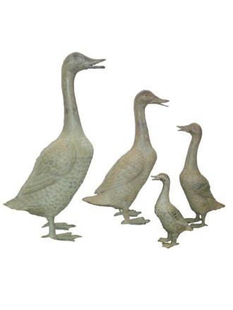 Duck bronze statue