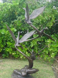 flying-ducks-fountain_1