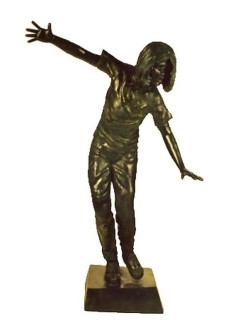Girl Wannabe bronze statue