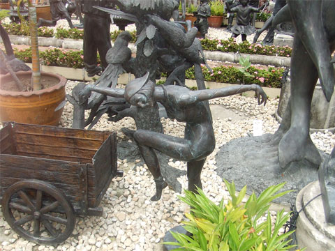 Garden Bronze scupltures, water features, urns & wall decor