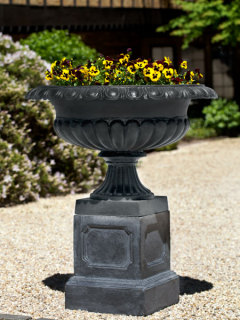 Hastings Urn & Pedestal