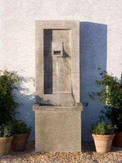 Moderne Water Fountain